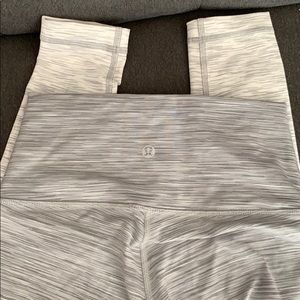 BNWOT faded grey to white Lululemon tights